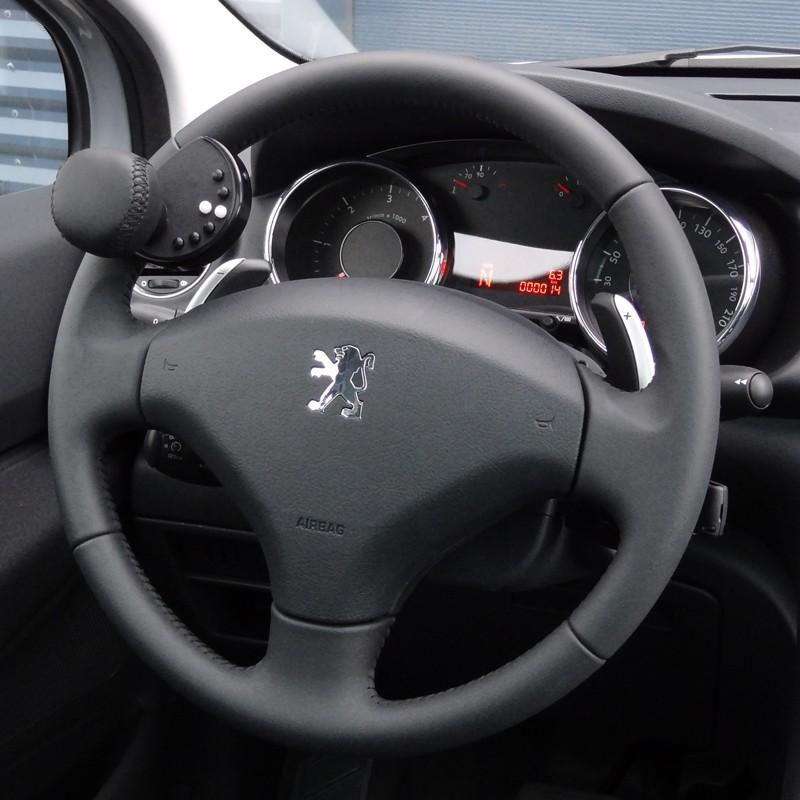 k nobi pour peugeot 3008 2012 2015 boule au volant pour conduire. Black Bedroom Furniture Sets. Home Design Ideas