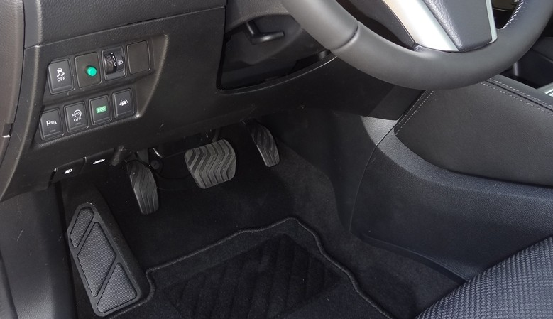 K-Lefta the left foot accelerator pedal electronically switchable